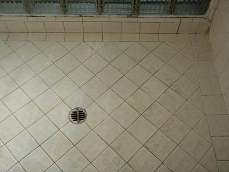 cleaning bathroom tile how to clean bathroom tile cleaning bathroom decor