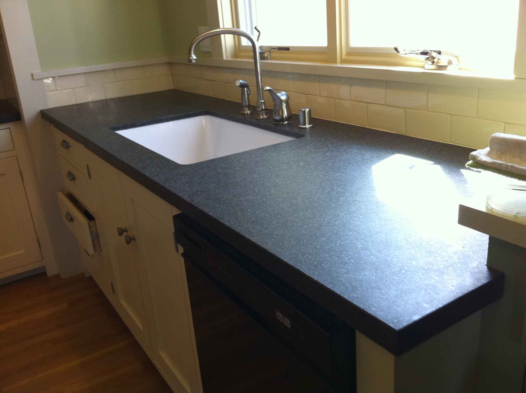 how to deep clean granite countertops